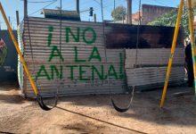 Con un amparo ambiental, intentan prohibir la instalación de antenas de telefonía en plazas públicas